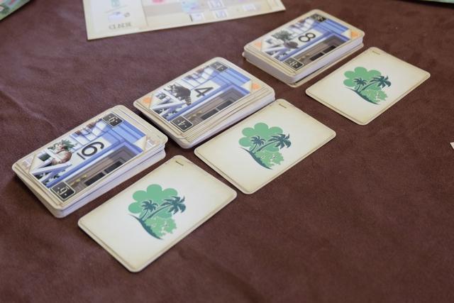 Voici les trois paires de cartes du premier tour : numéro 8 et parc, numéro 4 et parc, numéro 6 et parc. C'est varié... ;-)
