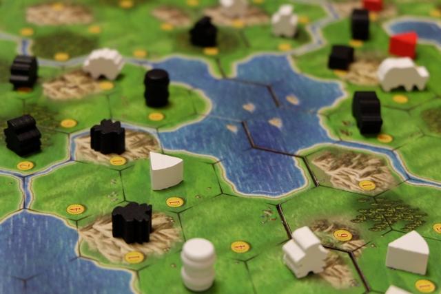 Le jeu est beau, très beau, et je vous laisse contempler ma fromagerie nouvellement installée au bord de ce loch...