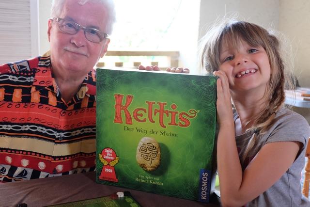 Keltis, ça faisait longtemps, et il me semblait bien qu'il correspondrait parfaitement au type de jeu à faire découvrir tant à mon paternel qu'à Leila...