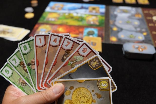 Ma main de cartes pour la quatrième manche. Ça devrait le faire, au moins sur les rouges, non ? En tout cas, avec un total de 21, on ne pourra pas dire que je n'ai pas essayé d'avoir le plus grand total...