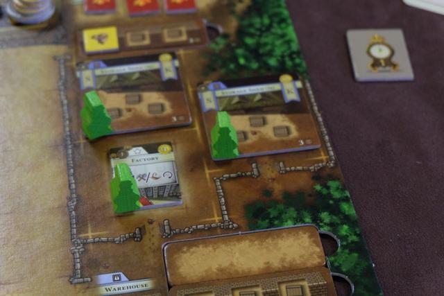 Je transforme un de mes entrepôts en une Factory, comme me l'autorise le niveau 2 de la Storekeeper Colony. Contrairement à la partie avec Florent et Béatrice, on ne commet pas d'erreur aujourd'hui, en faisant le remplacement à l'endroit de l'entrepôt...