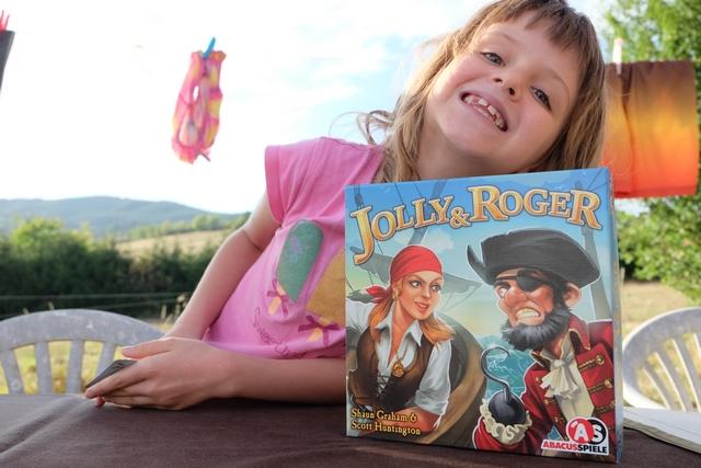 Jolly & Roger un jeu de pirates joué au bord de la piscine un soir de septembre...