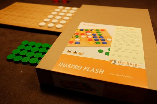 Un jeu de morpion ++, jouable jusqu'à 4 joueurs, voici le pitch ultra basique de ce jeu Gerhards que je n'avais pas encore essayé...