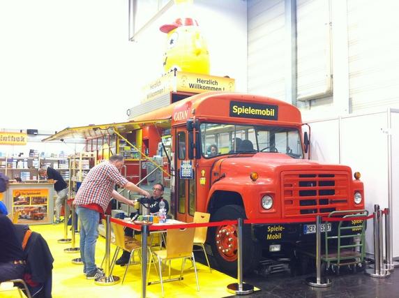 Le fameux bus de Catane, version 2018, avec le Spielemobil qui en a repris l'utilisation...