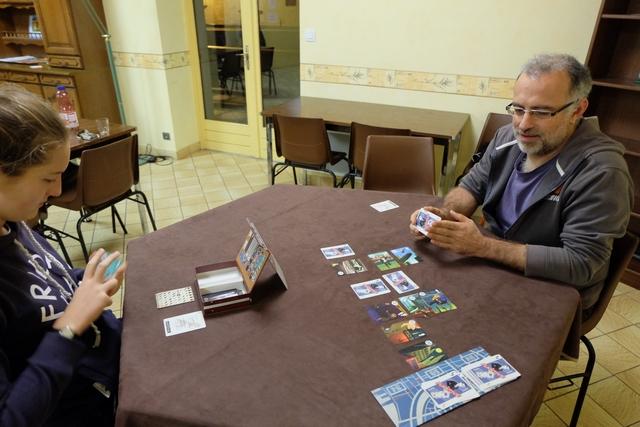 La situation se corse pour Yohel, le Marshal n'étant plus qu'à une carte de lui, même si Lila devra aussi trouver la carte précédent la dernière planque identifiée...