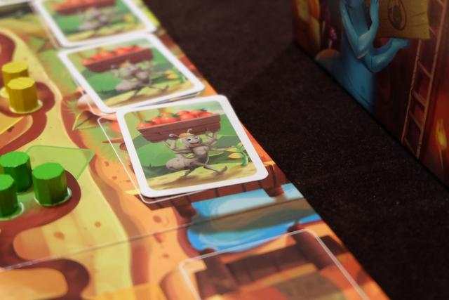 Lorsque l'étalage de cartes jouées atteint une extrémité de la rivière, on défausse toutes les cartes et on n'en remet que deux, issues, de la pioche, au centre de la zone... Une bonne manière de casser les grandes séries, notamment avant que l'adversaire joue ! C'est un jeu un peu méchant, oui...