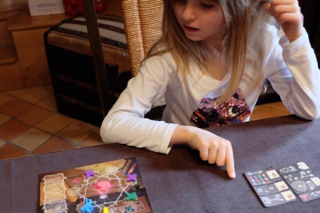 Leila est très très alerte sur ce jeu... ;-)