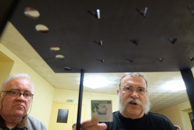 C'est le coup de la bombe thermique qu'il voulait à tout prix faire pour provoquer un magnifique trou dans le plafond du 2ème étage ! On y est...