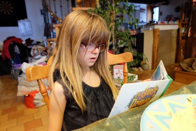 """Et l'aventure se poursuit ainsi, page après page, voire tiers de page après tiers de page... Leila s'y reprendra à deux fois pour terminer sa quête du dragon, la première fois elle avait terminé avec trois """"bobos"""" et donc avait perdu."""