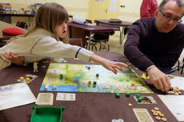 Leila est la reine des boutons... Par contre, au niveau blocage de Fabrice, elle est un peu moins douée... ;-)