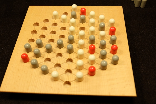 Et voici la fin de partie, avec un immense groupe pour moi, lequel touche pas moins de 4 tours rouges sur 6 ! J'ai bien aimé cette dernière partie... ;-)