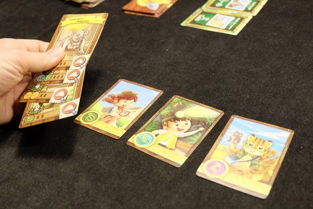 Au final, après avoir utilisé nombre de mes explorateurs, je rentre d'Amérique avec 4 cartes lucratives.