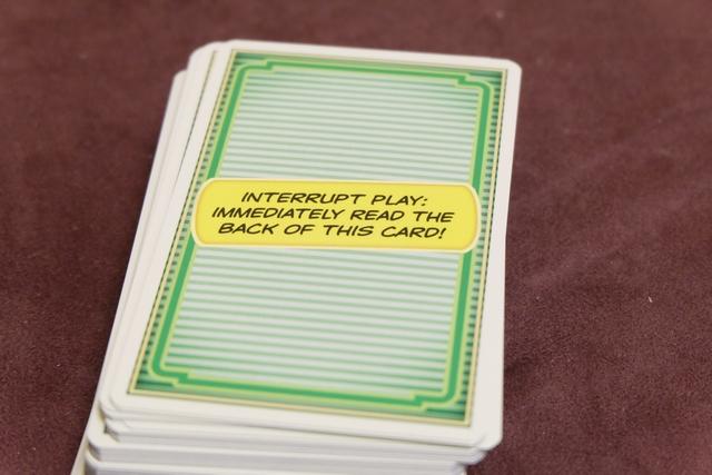 Certaines cartes nous préviennent qu'on va apprendre quelques nouvelles règles ! Et c'est heureux car on ne savait pas trop où ça allait nous mener...