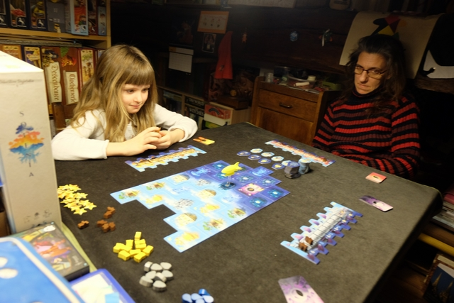 Etant premier joueur, j'ai commencé, suivi par Leila et Julie.