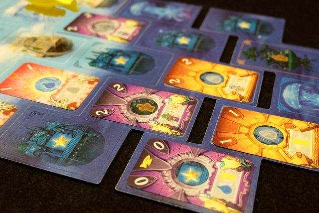 Je place une carte 0, laquelle a pour effet de faire avancer l'astronef (en cours) et de provoquer des gains liés aux cartes de l'arrière (un eau + un blé pour moi, un blé pour Leila)...