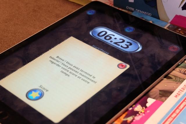 Histoire de se remettre dans le bain du fonctionnement du jeu, nous débutons par l'enquête du tutoriel, une fois l'application installée. Résultat : victoire en 3 minutes et 37 secondes ! Ça va, on est au taquet...