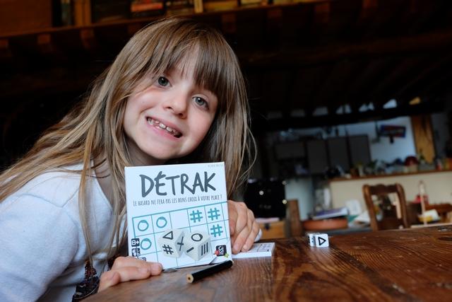 Toute petite boîte, avec un grand jeu à l'intérieur, oui, ça c'est Détrak ! Et un Knizia, s'il vous plaît ! Excusez du peu...