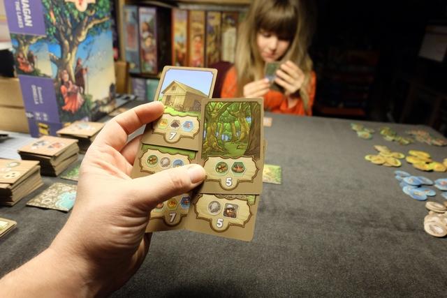 """Voici mes cartes de départ parmi lesquelles je vais devoir en choisir 3 """"compatibles""""..."""