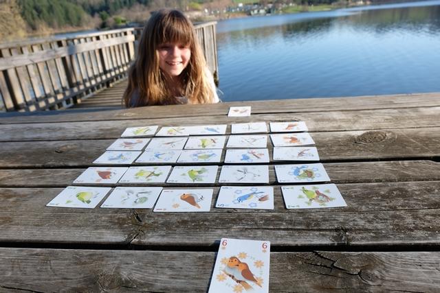 Révélation de nos deux cartes conservées et mes craintes se matérialisent dans la réalité : elle a bel et bien gardé la fameuse carte n°7 orange !!! Bouhhhhhh :-(