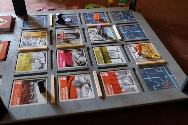 Un fin de premier tour de table de dingues : plus que 6 tuiles non révélées avec, parmi elles, la salle du coffre...