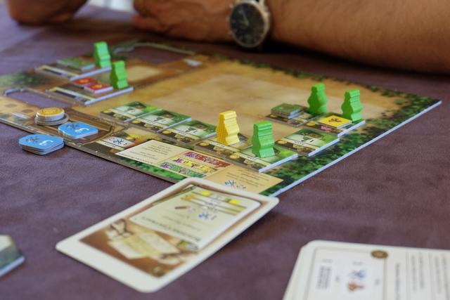 C'est Fabrice qui récupère le premier citadin jaune, toujours lors du premier âge, grâce à une carte de développement particulièrement bienvenue...