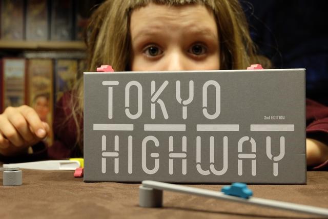 Tokyo Highway, un jeu d'adresse de dingues qu'on n'aurait jamais cru au départ !!! Oui, nous voulions un jeu paisible et fun... ;-)